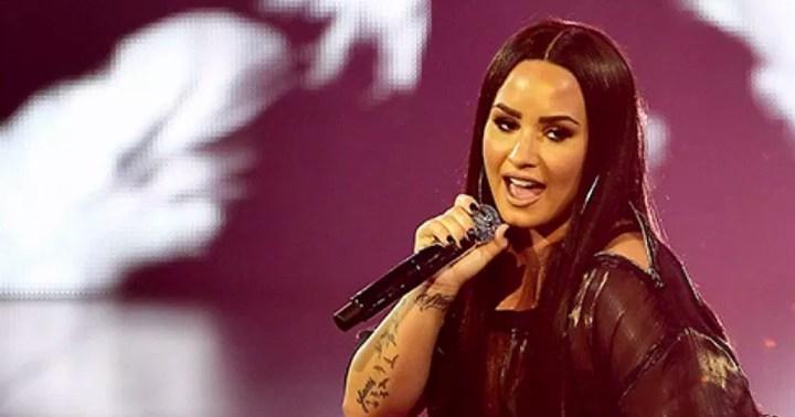 Demi Lovato and Sobriety | I Am Sober