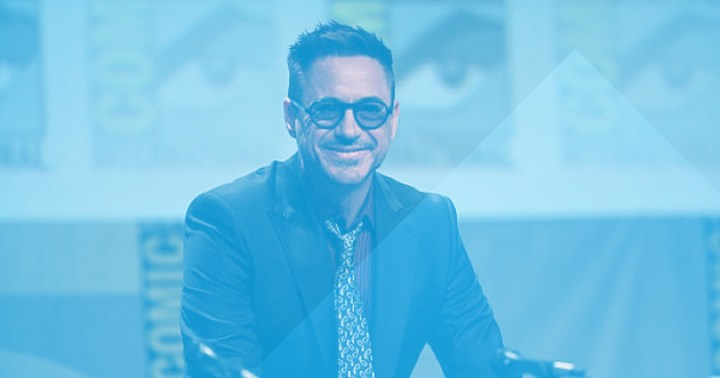 Robert Downey Jr smiling at 2014 Comic Con convention